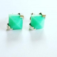 Locally faceted Queensland chrysoprase in sterling silver.